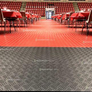 Inhouse arena red mats 4 closeup_logo_2